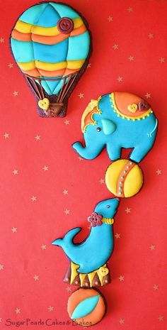 Under the Big Top~                    By sugar pearls, blue elephant, seal, circus