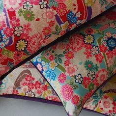 Gorgeous flowery pillows with contrast trim