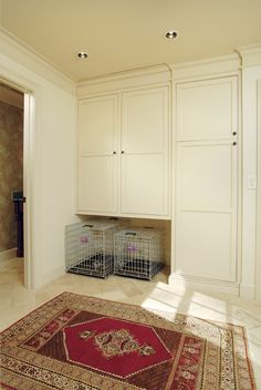 Mudroom storage - with pets in mind! this would get the dog out of the kitchen Dog Cabinet, Pet Storage, Stuffed Animal Storage, Decorating Ideas, Decor Ideas, Dog Rooms, Bath Design, Dream Rooms, Closed Doors