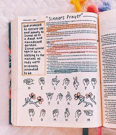 Bible Journaling For Beginners, Bible Studies For Beginners, Bible Study Notebook, Bible Study Journal, New Bible, Bible Art, Bullet Journal Mood Tracker Ideas, Bible Doodling, Christian Motivation