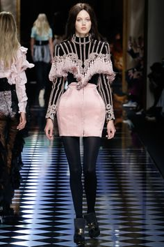 Balmain Fall 2016 Ready-to-Wear Fashion Show - Lindsey Wixson (Elite)