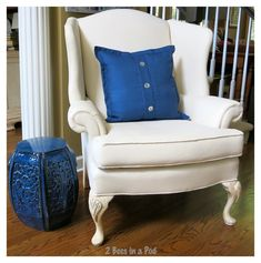 Painted wing chair upholstery - turned out beautifully Painting Fabric Furniture, Paint Upholstery, Living Room Upholstery, Upholstered Furniture, Painted Furniture, Painted Sofa, Upholstery Repair, Upholstery Cushions, Diy Painting