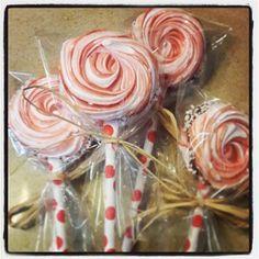 Meringue lollipop