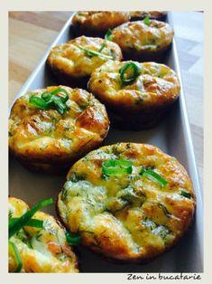 Minitarte cu somon si sparanghel Baked Potato, Asparagus, Feel Good, Potatoes, Baking, Ethnic Recipes, Studs, Potato, Bakken