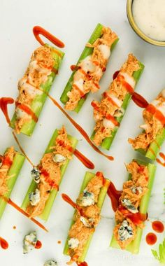 These healthy Buffalo Chicken Celery Bites are my new favorite snack. They are light, healthy, full of protein, and low in carbs and calories. Healthy Appetizers, Healthy Snacks, Healthy Recipes, Eat Healthy, Party Appetizers, Simple Snacks, Chicken Appetizers, Paleo Meals, Diet Meals