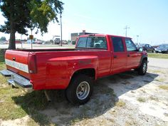 Red Interiors, Colorful Interiors, Dodge Ram 4x4, Grey Doors, Exterior Colors, Antique Cars, Chevrolet, The Unit, Color Red