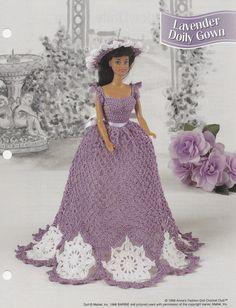 Lavendel Deckchen Kleid Annies Mode Puppe häkeln Muster Club