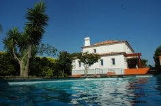 Uma linda moradia em Sintra, está a venda por agência imobiliária Sintra Casas (sintracasas.pt)