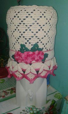 Galão  de água  de crochê