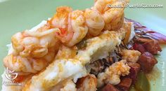 Por Andy Tous - Esta receta de Langosta con camarones y chorizo la puedes servir con tostones, un buen mofongo, sobre papas asadas o un buen puré de papas.