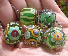 Lina Khan | Lampwork Beads: LINOU - Emerald Beads with Fantasy Flowers