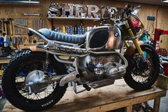 BMW R90 Scrambler Wood Style - Garage Sheriff 6
