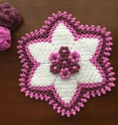 Lifhanem 🎀 #lifmodellerim #lifmodeli #lifmodelleri Crochet Potholders, Crochet Doilies, Crochet Flowers, Loom Blanket, Baby Blanket Crochet, Baby Knitting Patterns, Hand Knitting, Crochet Patterns, Puff Stitch Crochet