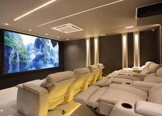 Do you want to create yourself a home theater but don't know where to start. Here are 20 great home theater design ideas to inspire you. Home Theater Room Design, Movie Theater Rooms, Home Cinema Room, Home Theater Decor, Home Theater Seating, Theatre Design, Home Decor, Home Theatre, Dream Home Design