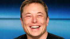 Tesla'nın kurucusu Elon Musk, haftada 90 saatten fazla çalışıyor çünkü Elektrikli Araçlar (EV) raporuna göre Tesla'nın öleceği söyleniyor. Elon Musk'ın Twitter'da insanlarla sohbet ederken haftada doksan saatten fazla çalıştığı doğrulandı.  Raporda Tesla CEO'suna göre Musk'ın daha fazla çalışmasının sebebinin Model 3'ün daha büyük, geleneksel otomobil şirketlerinden artan rekabet karşısında üretim   #elonmusk #tesla