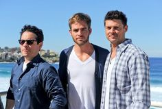 Chris Pine Photos Photos -  Zachary Quinto, J.J Abrams, Chris Pine and Karl Urban attend a photo call for their film 'Star Trek Into Darkness' at Bondi Beach, where they pose with custom surfboards. - 'Star Trek' Stars Pose With Surfboards