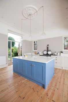 Victorian House Southfields - Transitional - Living Room - london - by Town House Interiors Victorian Kitchen, Victorian Homes, Timber Flooring, Kitchen Flooring, London Living Room, Room London, Painting Wooden Furniture, Pine Floors, Transitional Living Rooms