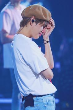 """Please d-don't"" Taehyung . ""You're mine baby boy"" Jungkook . _______ Taehyung was betrayed by his friend . On his way to give his friend the money he owed. Bts Taehyung, Namjoon, Seokjin, Suga Rap, Bts Bangtan Boy, Bts Jimin, Daegu, Foto Bts, Bts Cry"