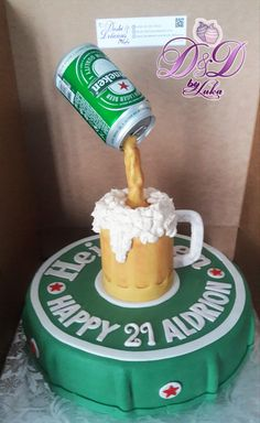 Birthday Cake For Him, Bottle Cake, Gravity Cake, Birthday Candles, Crates, Good Food, Cookies, Desserts, Recipes