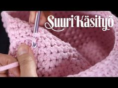 Katso video, kuinka virkkaat sisustuskorin | Kodin Kuvalehti Crochet Home, Knit Crochet, Crochet Videos, Merino Wool Blanket, Fingerless Gloves, Arm Warmers, Crochet Patterns, Knitting, Youtube