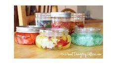 Désodorisants en gel pour la maison. - Colorant alimentaire - Huiles essentielles  - 2 tasses d'eau - gélatine neutre - 1 cuillère à table de sel