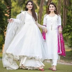 Muslim Evening Dresses, Pakistani Formal Dresses, Pakistani Dress Design, Pakistani Outfits, Shadi Dresses, Causal Wedding Dress, Sexy Wedding Dresses, Bridal Dresses, Party Dresses