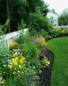 9 Agreeable Clever Tips: Backyard Garden Ideas Wall backyard garden design pool.Backyard Garden How To Build rustic backyard garden pallets. Privacy Fence Landscaping, Backyard Landscaping, Landscaping Ideas, Backyard Privacy, Landscaping Edging, Backyard Ideas, Landscaping Software, Modern Backyard, Luxury Landscaping