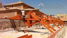 Montaje de cerhas para cubierta de convento en Lorca, Murcia.  NavarrOlivier.com  #Lorca #Murcia #reconstruccion #terremoto #tejado #patrimonio #construccion #carpinteria #estructura #timber #legno