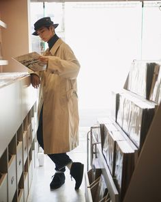 Fashion Poses, Fashion Outfits, Popeye Magazine, Character Poses, Men Design, Men's Wardrobe, City Style, Fashion Lookbook, Fall Outfits