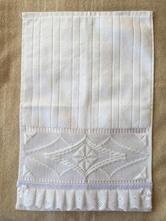 Ribbon Embroidery Tutorial, Embroidered Towels, Diy And Crafts, Quilts, Blanket, Crochet, Home Decor, Bath Towels & Washcloths, Hand Towels
