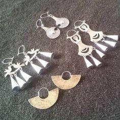 Jewelry Art, Jewlery, Copper Earrings, Metal Working, Pixie, Metallica, Place Card Holders, How To Make, Handmade