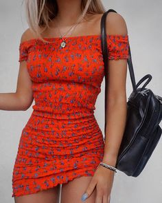 Chic summer outfits ideas for spring summer fashion trendy outfits 2019 Mode Outfits, Trendy Outfits, Dress Outfits, Fashion Outfits, Womens Fashion, Fashion Trends, Trendy Hair, Dress Fashion, Red Dress Outfit Casual
