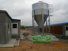 Specifications 1. hot galvanized steel plate  2 Zn-coating thickness no less than 275g per square meter  3 diameter-1.83m,2.75m, 3.67m& 4..58m Together with feed truck and screw conveyor,Forper gal.  Silo is widely used for feed storage and delivery in poultry&livestock farms.Currently 5 common diameter-1830mm,2750mm,3670mm,4583mm,with half-ring,1-ring,2-ring,3-ring and different capacities from 3MT to 66MT for your different choices.