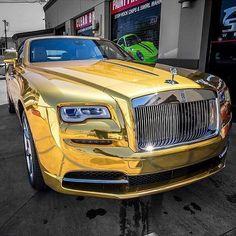Pin By Tablejarbar On Gold Rolls Royce Luxury Cars Rolls Royce Cars Luxury Sports Cars, Top Luxury Cars, New Sports Cars, Super Sport Cars, Voiture Rolls Royce, Rolls Royce Cars, Bmw, Audi, Supercars