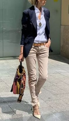20 Clothing Hacks That Will Make You Look Slimmer - - Lovely outfit for work with beige pants and blue shirt Source by katrinreichenba Summer Work Outfits, Casual Work Outfits, Business Casual Outfits, Mode Outfits, Work Casual, Classy Outfits, Chic Outfits, Casual Chic, Fashion Outfits