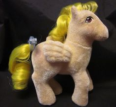 """Luxurious flocking #SoSoft #Lofty is up, up and away!  #MyLittlePony #G1 #Pegasus MY LITTLE PONY HORSE VTG G1 '85 Lofty So Soft Pegasus Hot Air Balloon Yellow 5"""""""