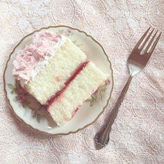 Pretty Cakes, Cute Cakes, Kawaii Dessert, Good Food, Yummy Food, Cute Desserts, Delicious Desserts, Cafe Food, Aesthetic Food