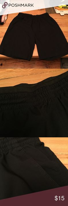 Men's Casual Shorts Excellent used condition. Elastic waistband for comfort, wicking fabric and has pockets. Can be casual or dressed up. Alpine Designs / REI Shorts Hybrids