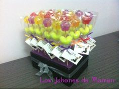 Boda Alfonso & Fermina ( Madrid ) Brochetas de Jabon en forma de rositas. Presentación en bolsa de celofán + etiqueta