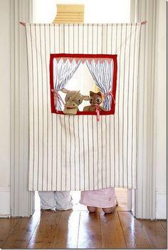 doorway puppet theather for kids