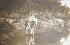 : Costum popular, fata cu putina intrand in apa III Claude Monet, Vintage Photographs, Historical Photos, Bradley Mountain, Costumes, Couple Photos, Moldova, Composition, Textiles