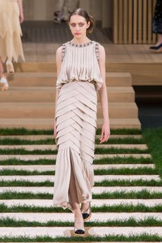 The Most Inspiring Confections From Chanel Spring 2016 Couture   The Zoe Report