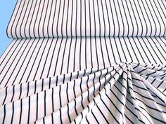 1-Meter-bi-elastischer-Jersey-laengsgestreifter-Feinjersey-in-weiss-schwarz