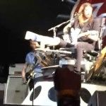 Dave Grohl Lets Fan Play The Drums During Concert - http://clickfodder.com/dave-grohl-lets-fan-play-the-drums-during-concert/