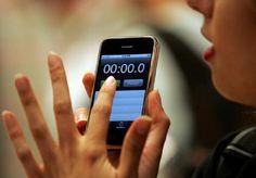 """""""Não há a mínima chance de que o iPhone venha a ser um sucesso de mercado. De jeito nenhum."""" Steve Ballmer, CEO da Microsoft, em 2007"""