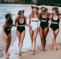 "Aisle Perfect® Weddings (@aisleperfect) on Instagram: ""Aloha. BEACHES! Who's down for some bachelorette fun? @karinpedersen @a_dash_of_chic . . . . . .…"""