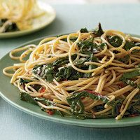 Garlic and Oil Spaghetti with Greens, 30 Minute Meals | http://www.rachaelraymag.com/Recipes/rachael-ray-magazine-recipe-search/rachael-ray-30-minute-meals/garlic-and-oil-spaghetti-with-greens