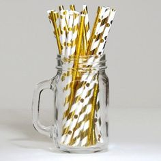 30 Assorted Drinking Paper Straws Ivory and Gold - these pretty eco friendly straws are perfect for any party and look great in our mini milk bottles. Perfect for our Princess Crown Party range. Paper Straws, Mini Milk Bottles, Crown Party, Pamper Party, Online Party Supplies, Christmas Party Decorations, Gold Polka Dots, Gold Party, Fiestas