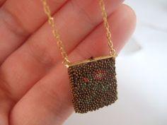 Perder el Libro de Oro: Micro Tutorial Beaded Handbag