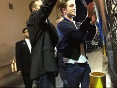 Rob signing for fans outside of Jimmy Kimmel 11/5/12